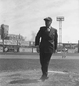 Fred Hamilton throwing a pitch at Maple Leaf Stadium